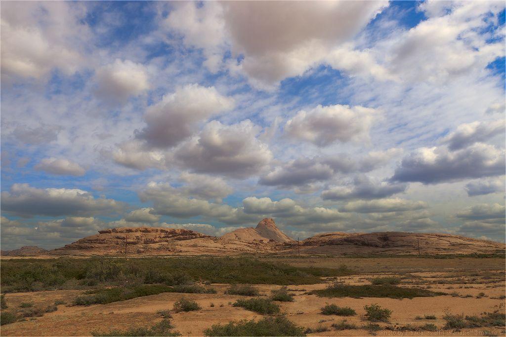 10. Бектау-Ата. Горный массив • Чистый гранит • Минимальное количество растительности • Небольшие лески • Редкие часто высыхающие водоёмы • Несколько небольших озёр • Марсианские пейзажи • Сильные ветра •