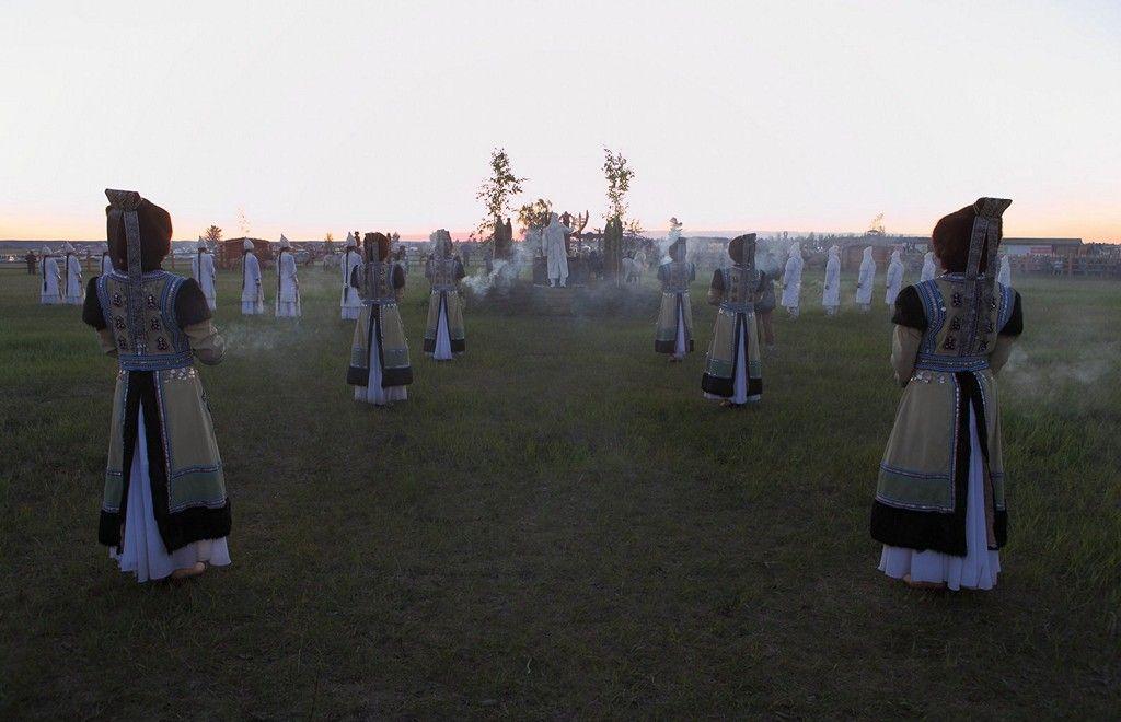 35PHOTO - Гарилас - ЫСЫАХ праздник встречи Солнца в Якутии