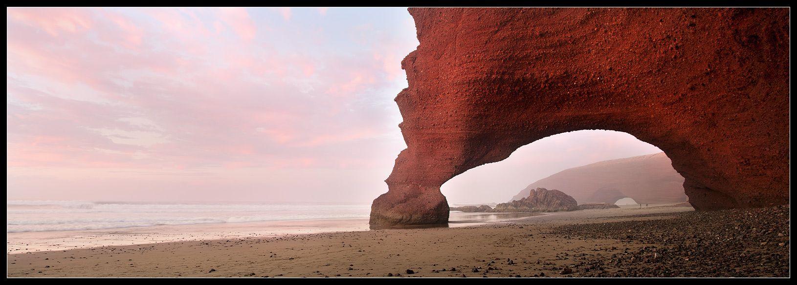 вечер и утро-самое хорошее время для одинокой прогулки, вдоль этого побережья.