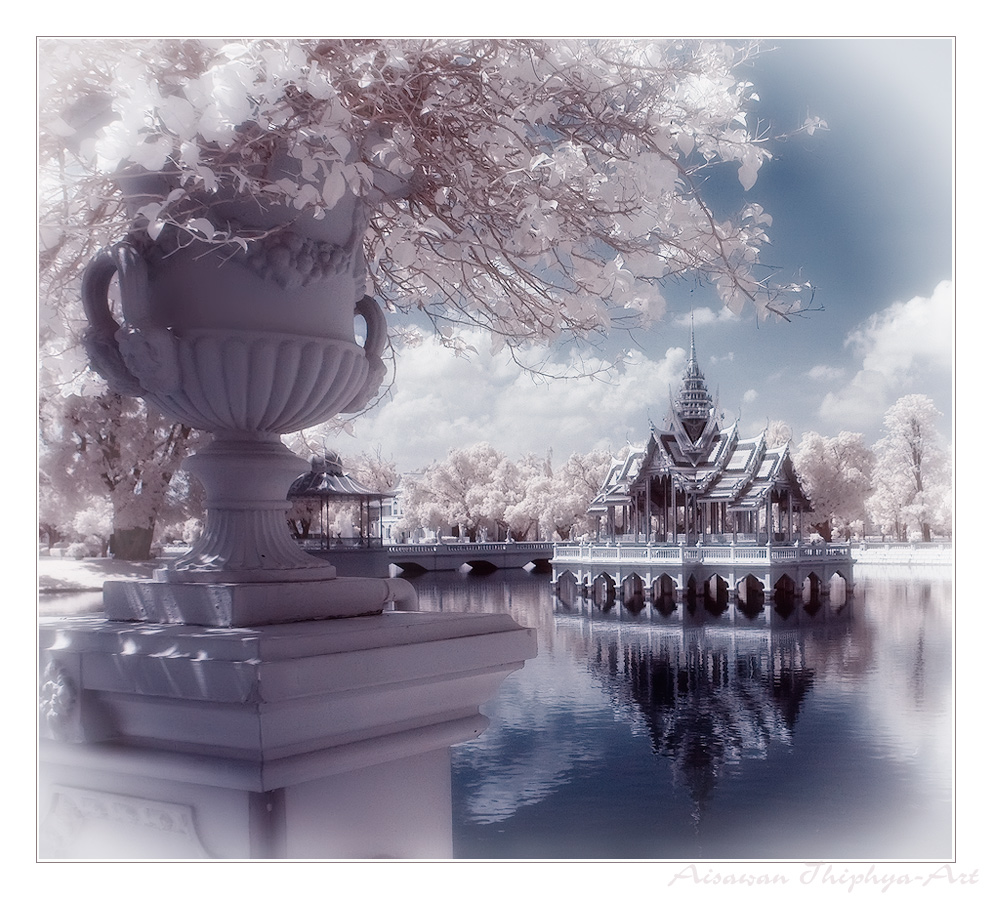 "Пхра Тхинанг Айсаван Тхипхат (Phra Thinang Aisawan Thiphya) -  ""Божественное..."