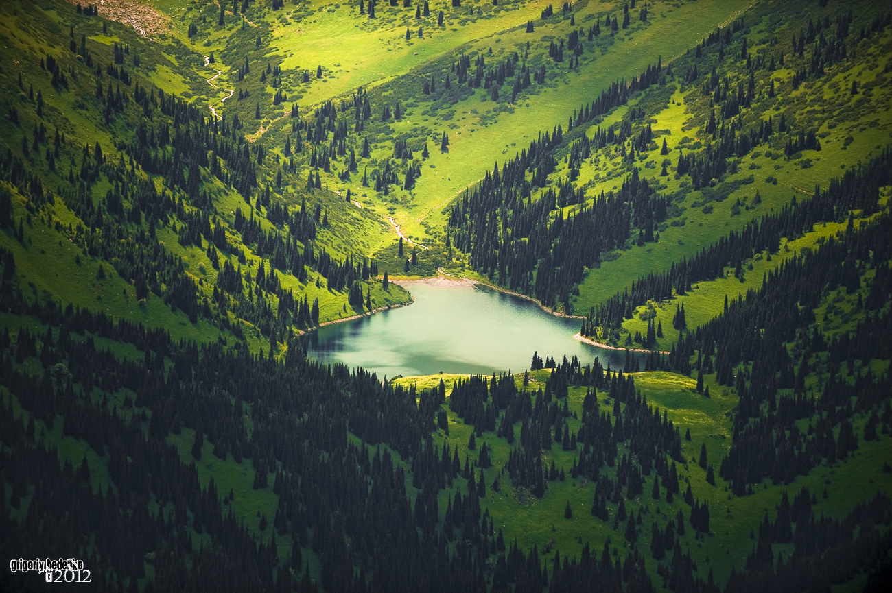"""Озеро """"Верхний Кульсай"""". Находится на границе с Киргизией. Совсем рядом знаменитый Иссык-Куль."""