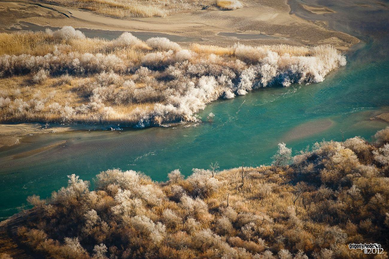 Река Или в ноябре.