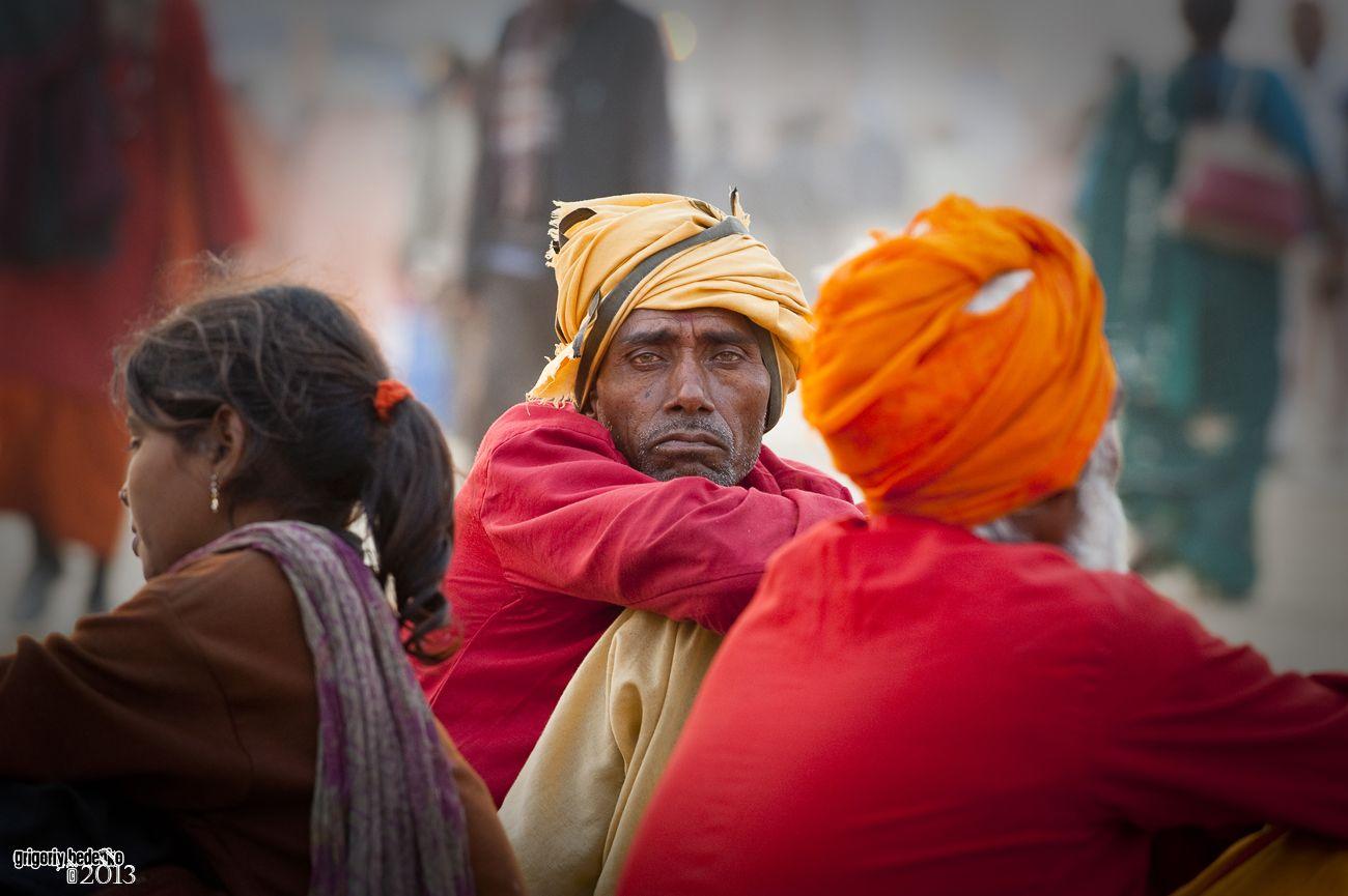 Вот уже много веков Праяг каждые 12 лет посещают миллионы последователей индуизма, чтобы совершить омовение в водах Ганга. Некоторые совсем малоимущие люди идут в Праяг пешком много дней.