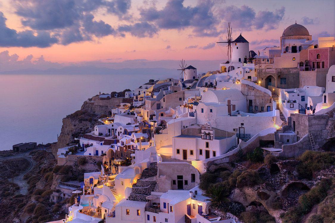Традиционный Вид Городка Ия на Закате | Traditional View of Oia at Sunset, Oia, Santorini, Greece