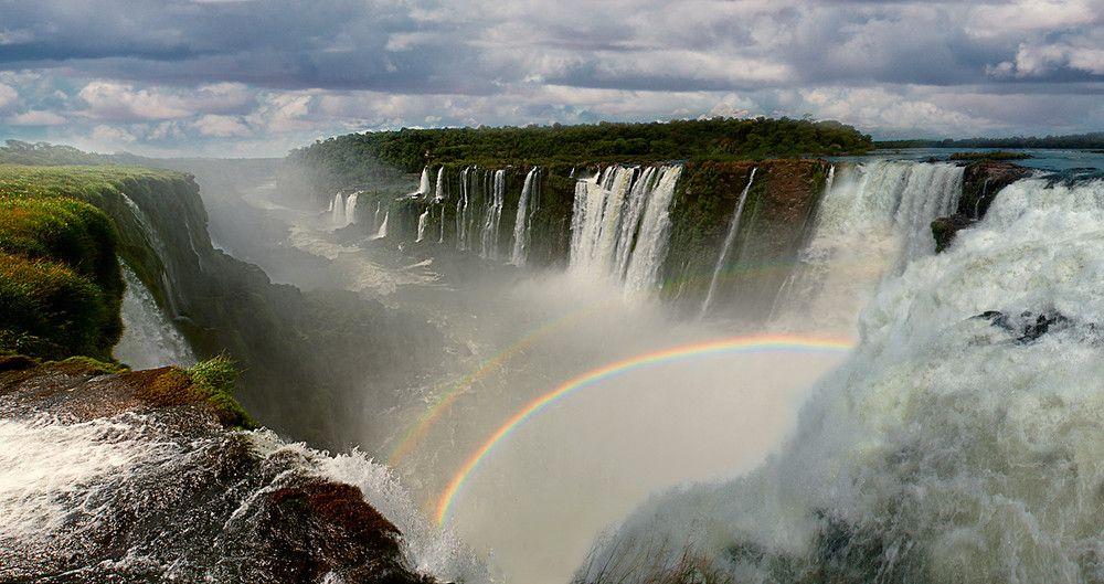 Iguazu Falls, on the border of Argentina and Brazil [1000x529] [OS]