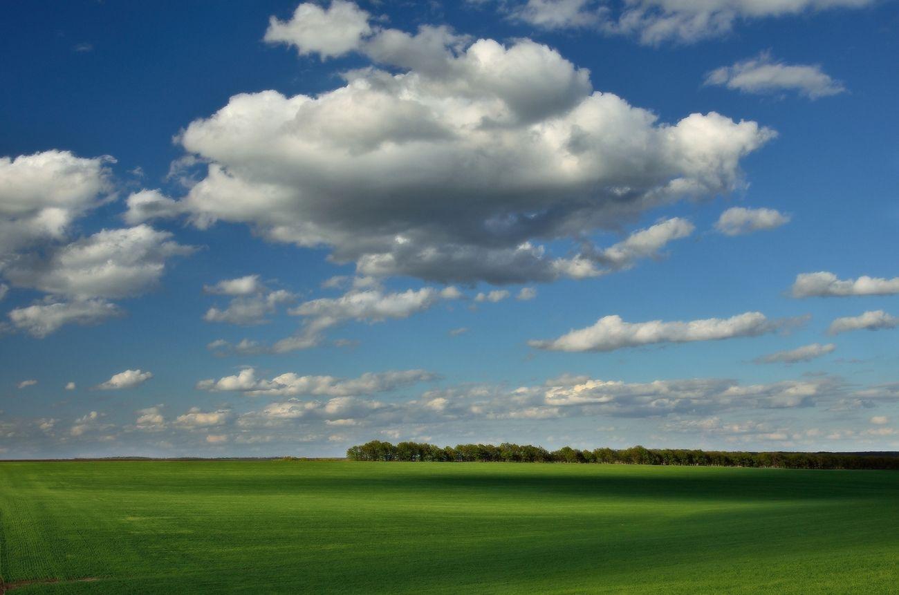Как сделать на фото плывущие облака