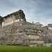 Паленке.Одна из важных достопримечательностей Паленке - это, конечно, Дворец. Размер его составляет 104 на 80 метров! Дворец предстает перед нами в сильно разрушенном виде, особенно сильно повреждена южная часть здания.