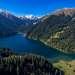 В юго-восточной части горной системы Заилийский Алатау (это самый самый северный хребет Тянь-Шаня) расположены три очень красивых тектонических озера. Их называют Кольсайскими. На этом снимке, сделанном с вертолета запечатлен Средний Кольсай (2252 метра над уровнем моря). Средний Кольсай - самое большое озеро из всех трех.
