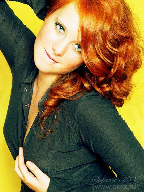 рыжая портрет рыжаяphoto preview