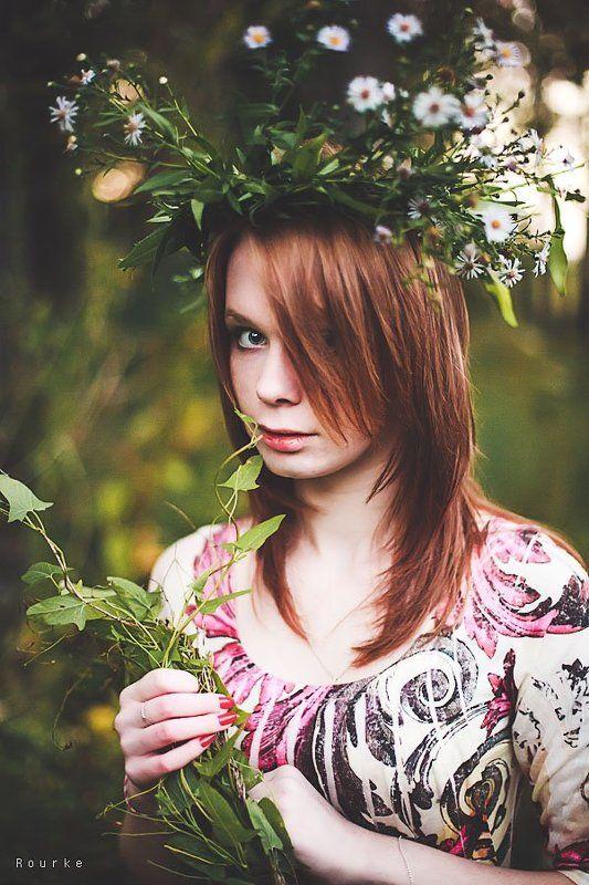 рыжие волосы, девушка, сумерки, природа, венок, цветы, белая кожа, веснушки, антон роук, rourke photo В сумеркахphoto preview