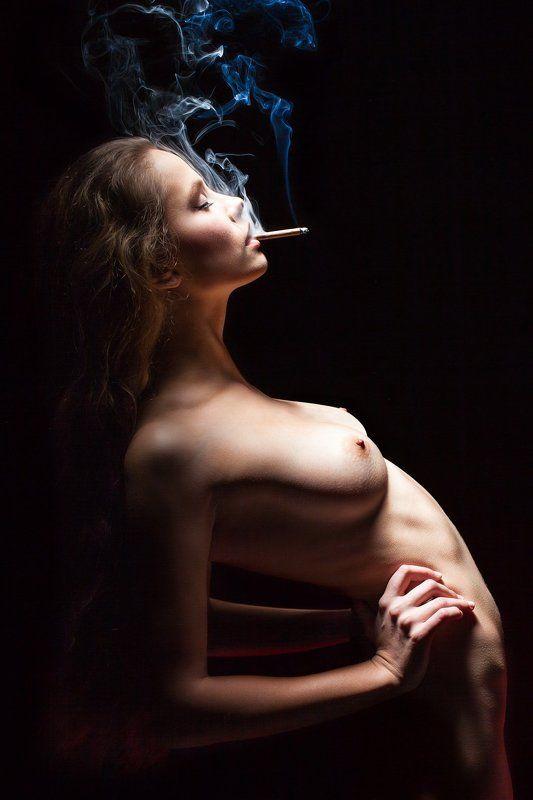 Девушки с сигаретой фото ню