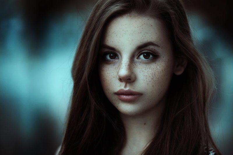 фото портреты молодых худощавых красивых девушек