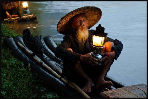 старый рыбак поседел от тоски и печали