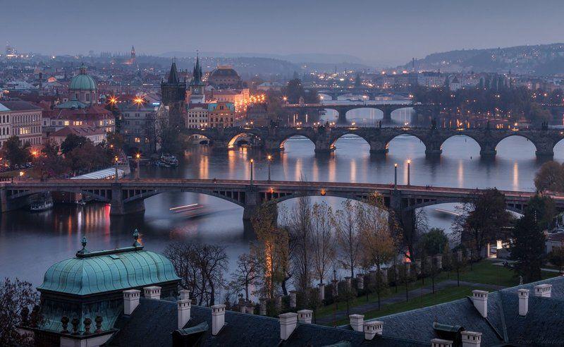 Вечер, Городской пейзаж, Закат, Огни, Прага Когда в городе зажигают огниphoto preview