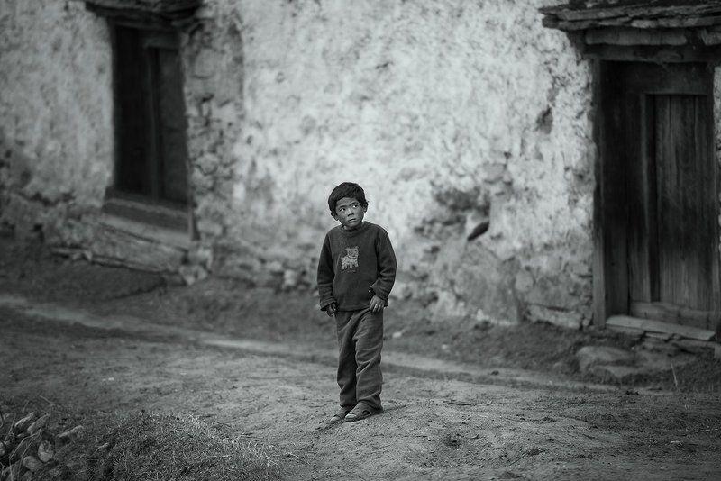 Гималаи, Мальчик, Непал Lonely Boyphoto preview