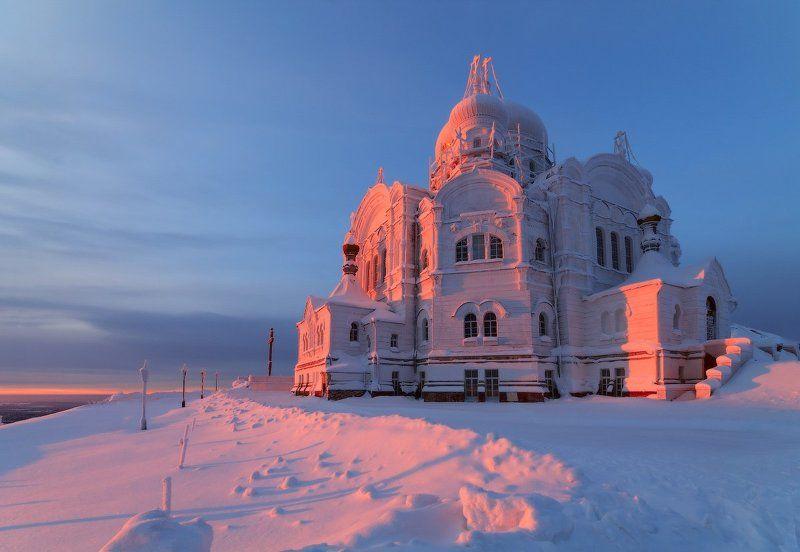 -37 °С и Белогорский монастырь.photo preview