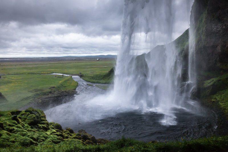 Iceland, Seljalandsfoss, Водопад, Исландия, Сельяландфосс Дождливым днем у водопада Сельяландфосс  / Seljalandsfossphoto preview