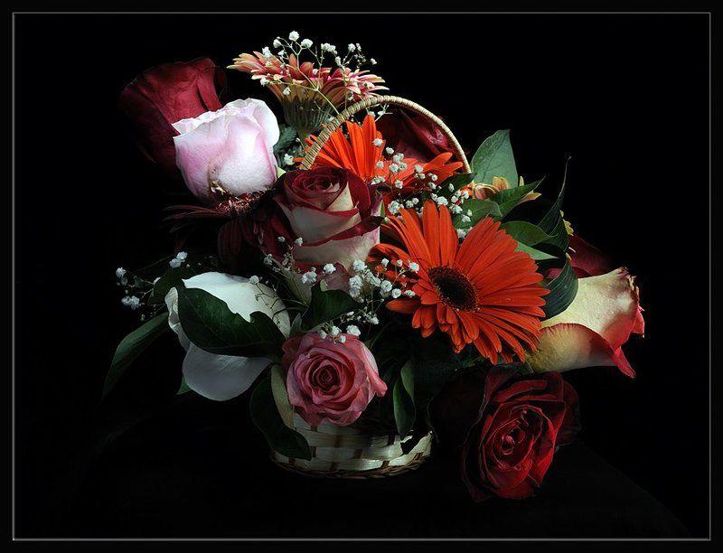 цветы, корзинка,световая кисть С праздником 8 Мартаphoto preview