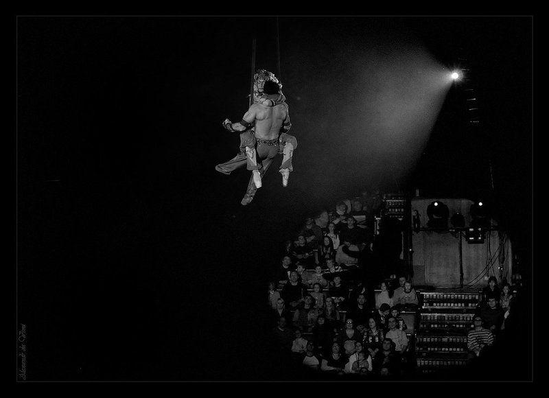 цирк, акробаты, жанр,  циркачи Любовь всегда над...photo preview