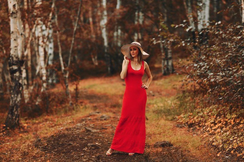 woman in the redphoto preview