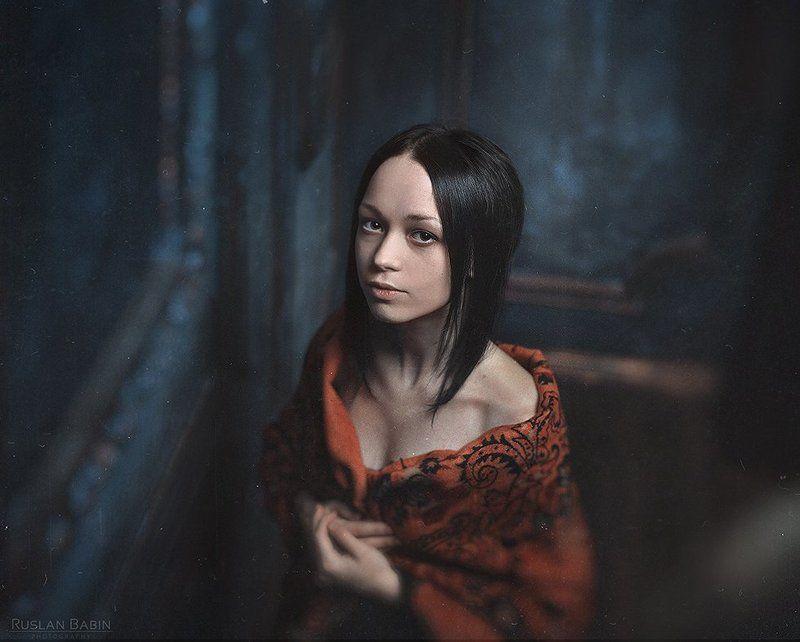 Портрет на темной сторонеphoto preview
