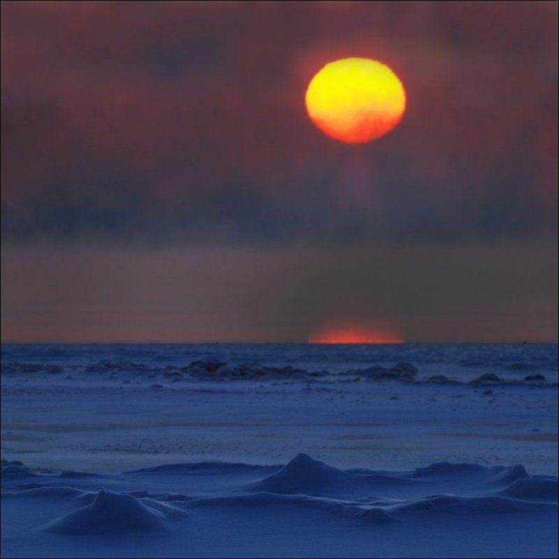 Зимний закат на Финском заливеphoto preview