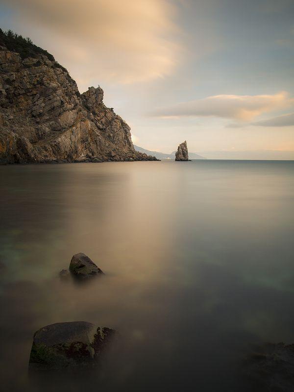 Крым. море. вода. камни. берег. Скала...photo preview