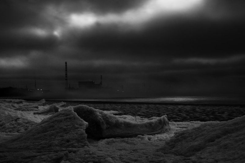 Январь. Лёд. Балтика. Вечер.photo preview