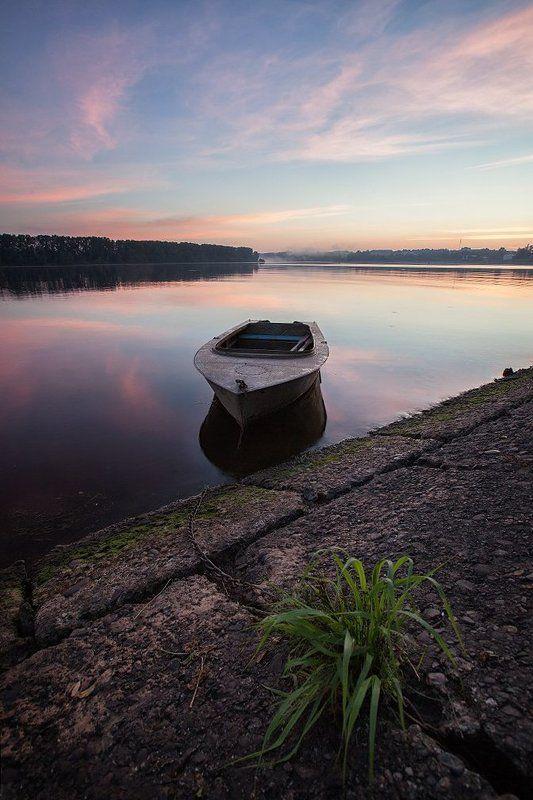 волга, лодка, углич Утро на Волгеphoto preview