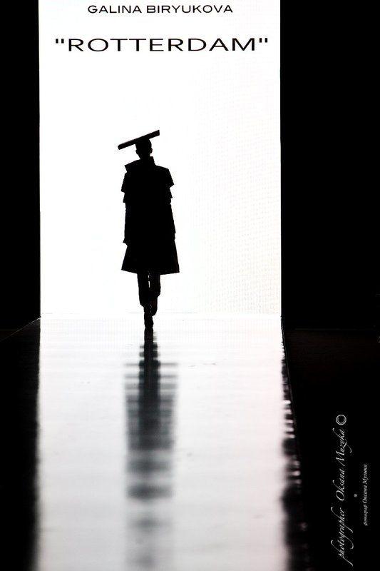 мода, силуэт, подиум, свет, тень, геометрия,  Rotterdamphoto preview