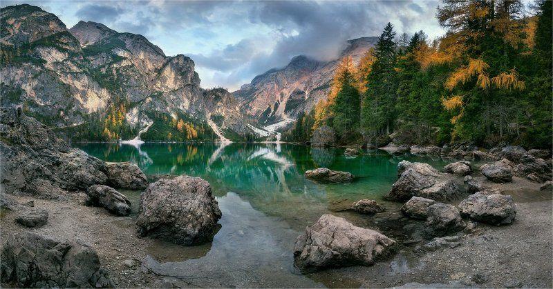 Lago di Braies, Доломитовые альпы, Италия \