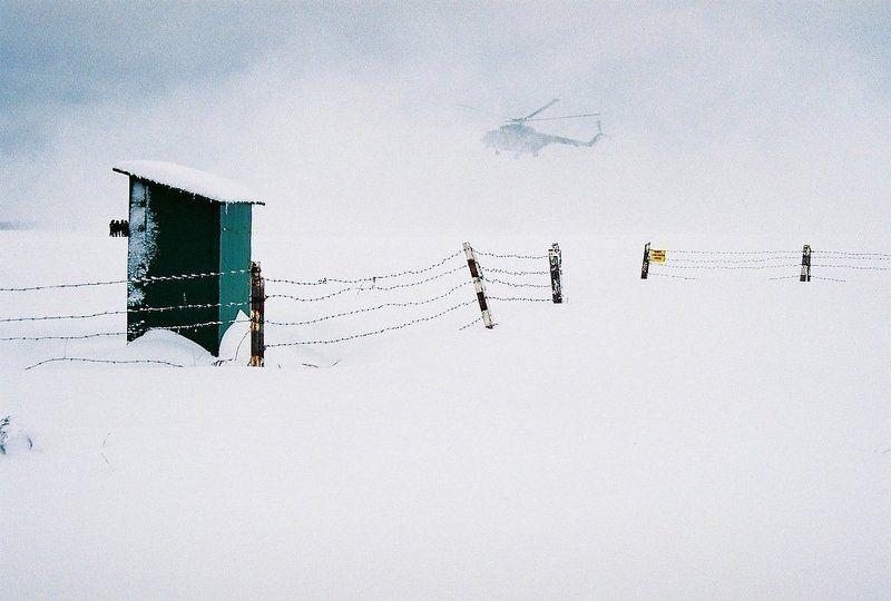 вертолет, люди, снег Аэропорт (ожидание)photo preview