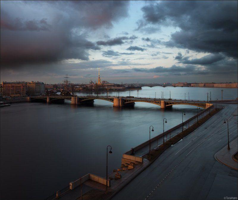 Биржевой мостphoto preview