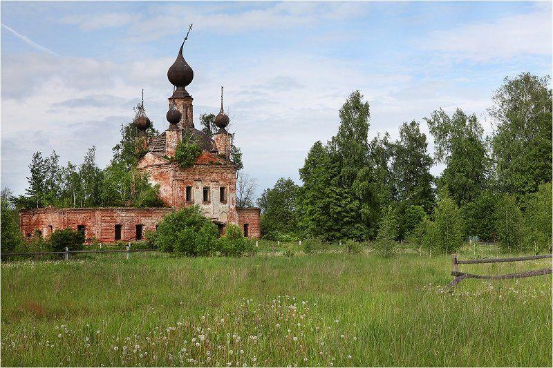 Брошенный, Лето, Разрушенный, Храм, Церковь Давно одинокий...photo preview