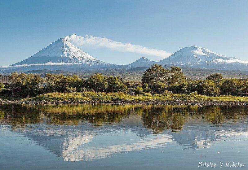 река Камчатка, вулкан Ключевской, отражение Отражениеphoto preview