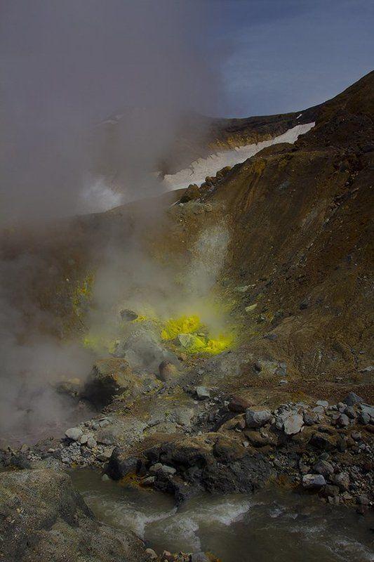 Вулкан Мутновскийphoto preview