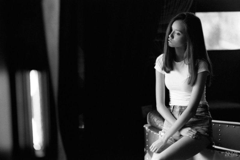 35mm, film, girl, kodak, portrait, tri-x Yosikaphoto preview