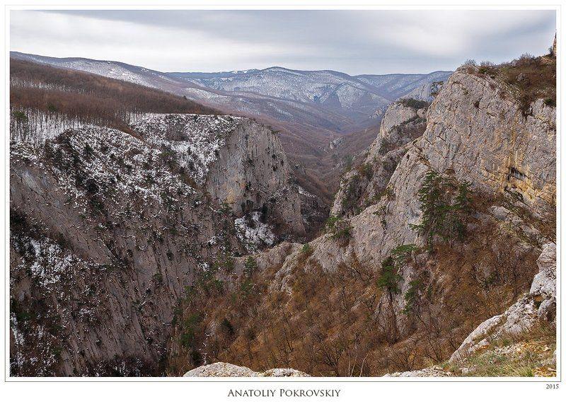 Апрель, Большой каньон, Весна, Горы, Крым, Скалы В обрывистой утёсности могучих скальных круч большого разлома кажет себя тщетность человеческого понимания времениphoto preview