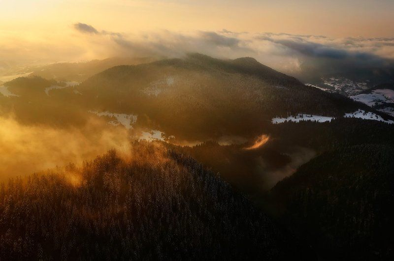 pieniny poland mountains fog cloud winter morning  Golden morning in Pieniny mountainsphoto preview