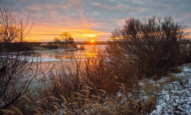 Озеро, Рассвет Первые лучи_1photo preview