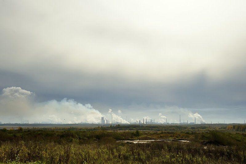 череповетский завод,металургия,дым,облака,солнце,контровик, Череповетские облакаphoto preview