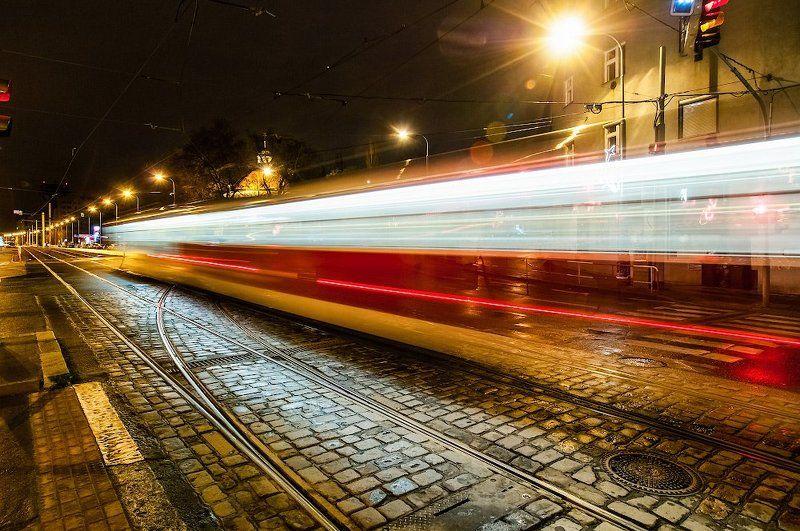 Запоздалый пражский трамвайphoto preview