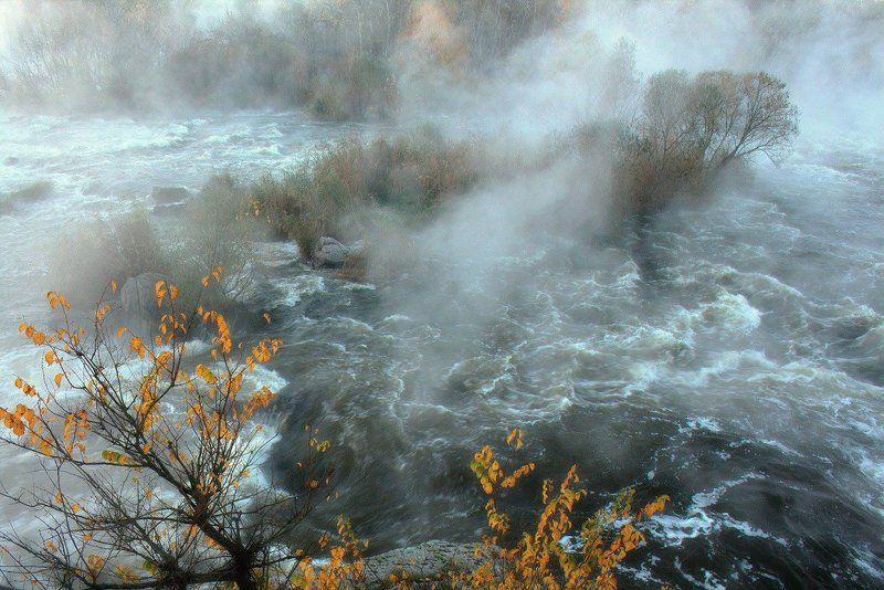 река. Туман. Пороги.  \