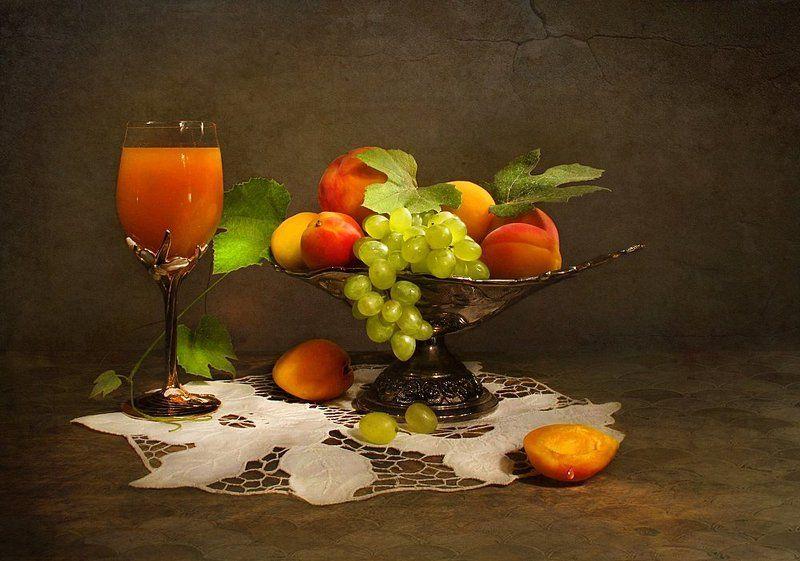 Сок и виноградphoto preview