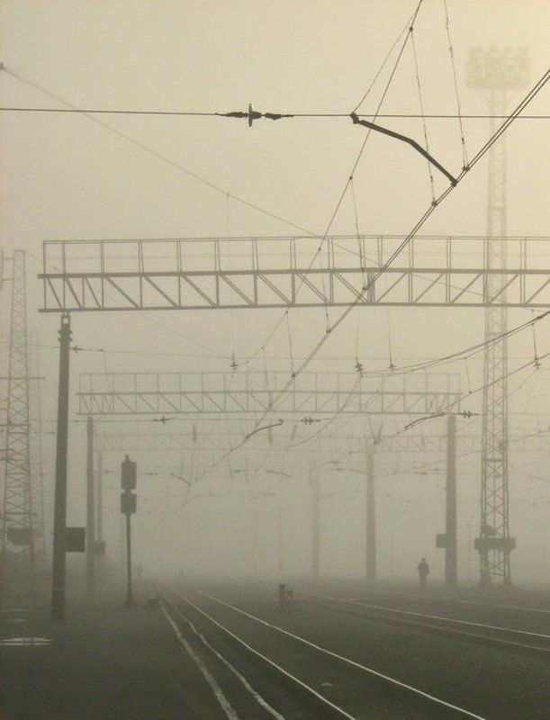 Железнодорожник в туманеphoto preview