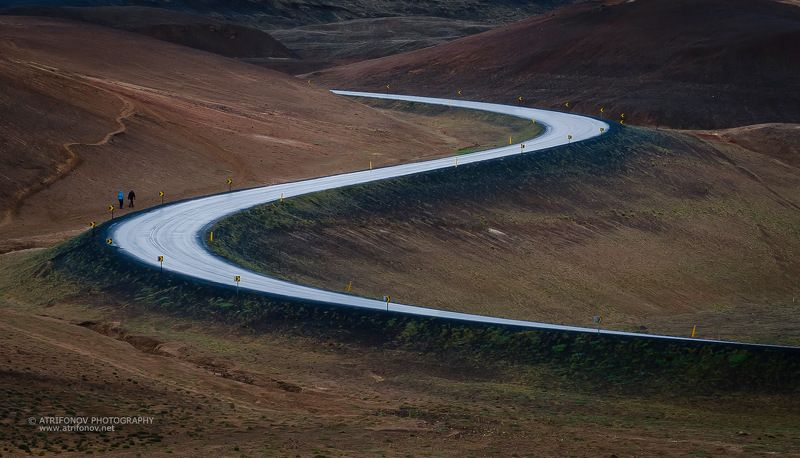 Iceland, road, travel, North Iceland, people, walking, future, lines, S- line, rainy, Namascard On the roadphoto preview