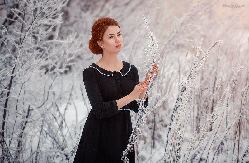 девушка, модель, зима, зимний портрет, черное платье, снег Зимний портретphoto preview