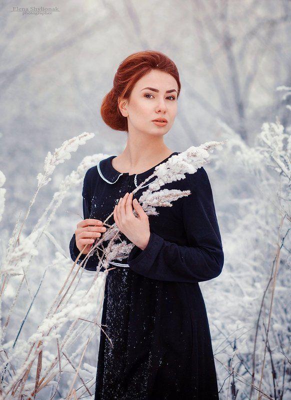 девушка, зима, зимний портрет, черное платье. ретро, винтаж, снег, природа Зимаphoto preview
