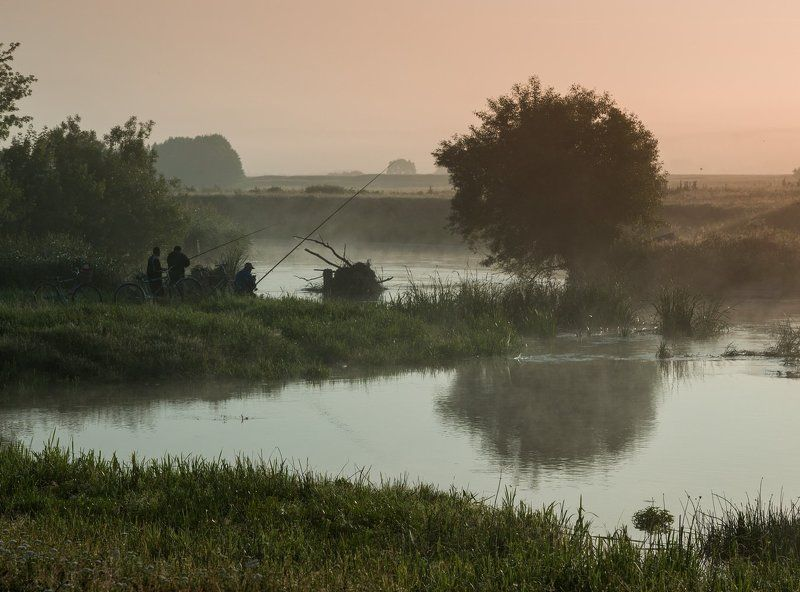 Самая рыбалка на утренней зорьке!photo preview
