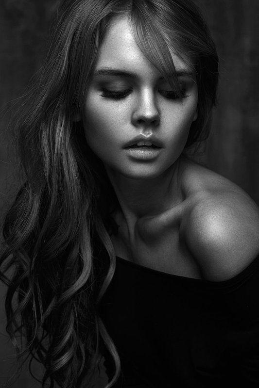 portrait bw girl sexy mood retouch retouching art babakfatholahi Anaphoto preview